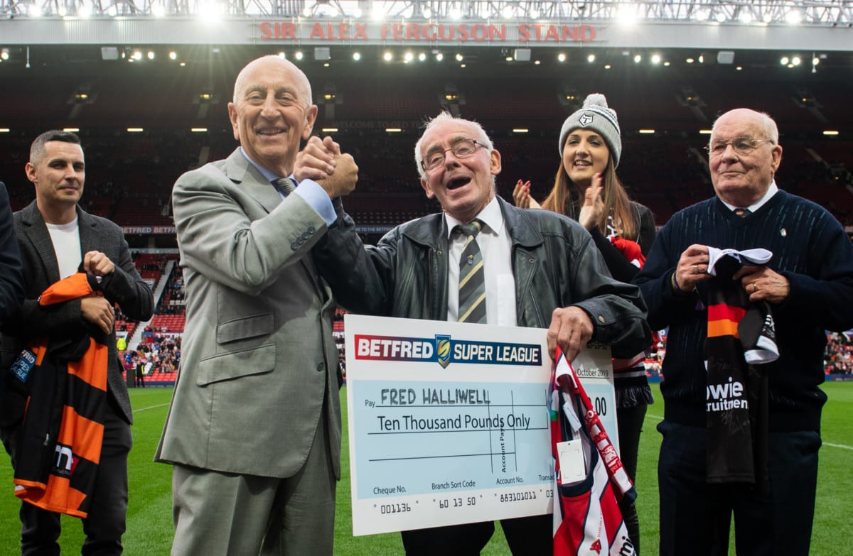 Betfred Super Fan of the Year Fred Halliwell and boss Fred Done