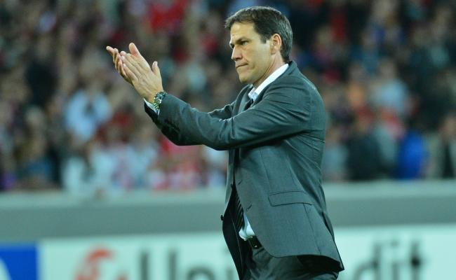 Ambitious Lyon look to complete job