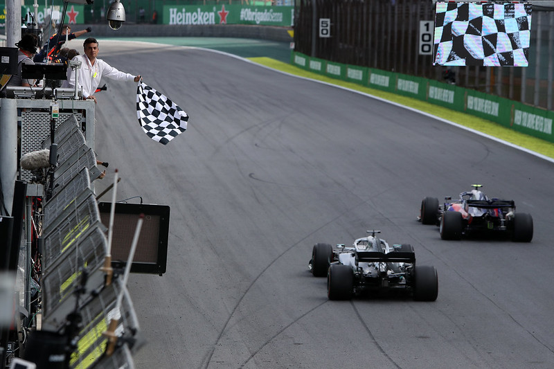 Chequered flag f1